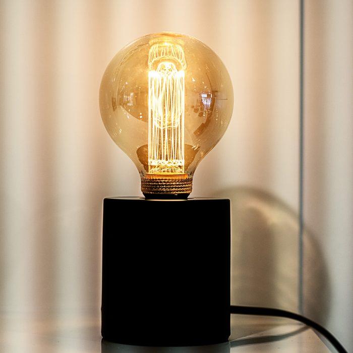 lamp zwart metaal sfeer 2
